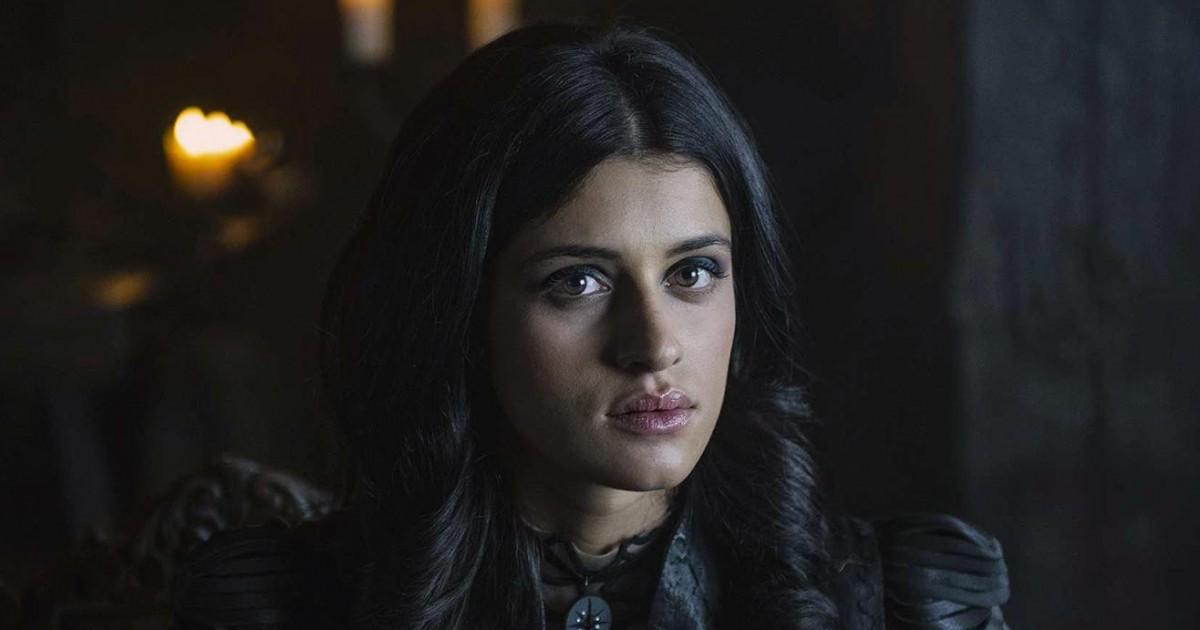 Qui est Anya Chalotra, Yennefer dans la série Netflix The Witcher ?