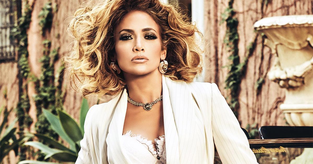 Jennifer Lopez : toujours aussi belle à 51 ans et même sans maquillage