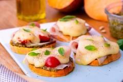 Recette tartine de patate douce au jambon cru et aux tomates cerises